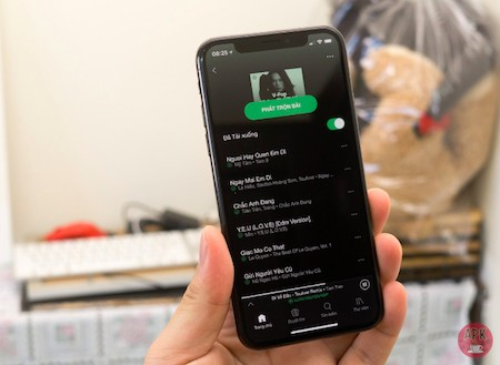 8 SPOTIFY TIPS FOR NEW USERS